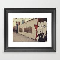 Todo Por La Revolución Framed Art Print