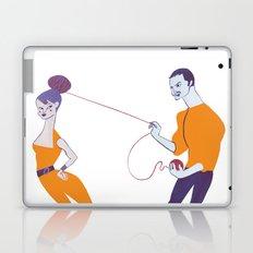 ''Como dava beijos lentos, duravam-lhe mais os amores'' Laptop & iPad Skin