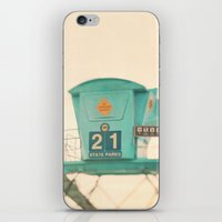 Beach Photograph, Lifegu… iPhone & iPod Skin