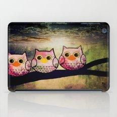 owl-1 iPad Case
