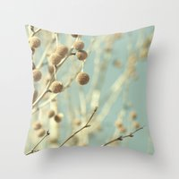 VINTAGE NATURE I Throw Pillow