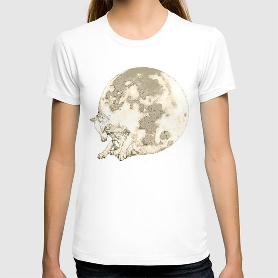 In which a wolfy moon thing happens T-shirt