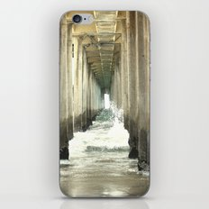 Crashing Waves iPhone & iPod Skin