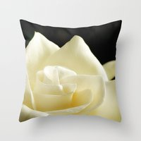Soft  gardinia Throw Pillow