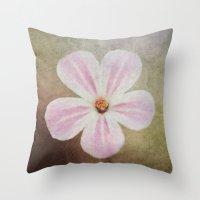 Bloom. Throw Pillow