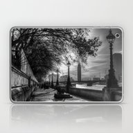 River Thames Path Laptop & iPad Skin