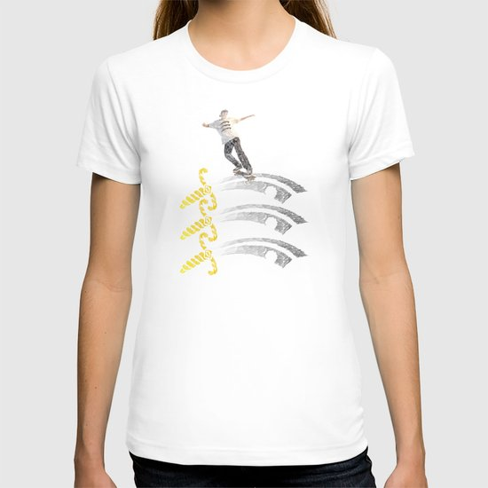 essex skateboarding  T-shirt