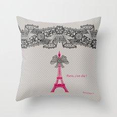 Paris c'est Chic ! Throw Pillow