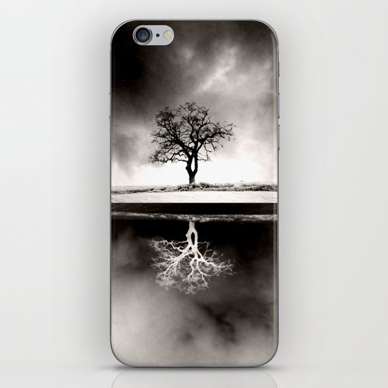 SOLITARY REFLECTION iPhone & iPod Skin
