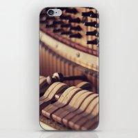 Le Vieux Piano iPhone & iPod Skin