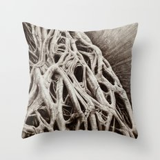 Urlo Radici Throw Pillow