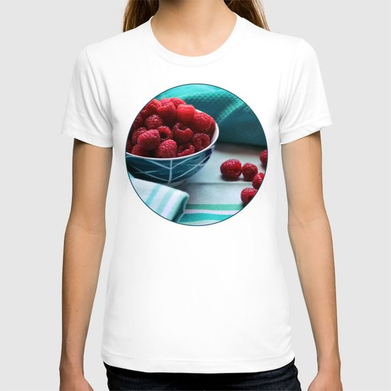 Ruby Delicious - Raspberry Still Life T-shirt
