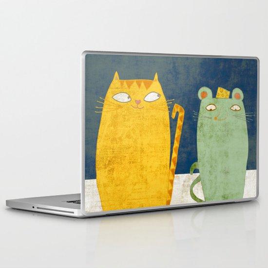 Cat-mouse friendship Laptop & iPad Skin