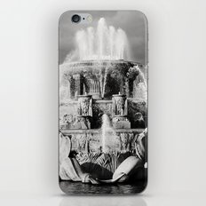 Chicago's Buckingham Fountain iPhone & iPod Skin