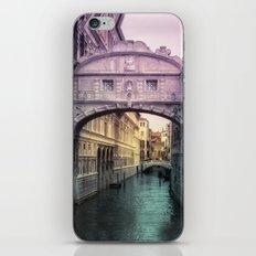 Ponte dei Sospiri | Bridge of Sighs - Venice (colored version) iPhone & iPod Skin