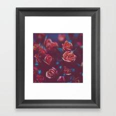 Botánico Oscuro Framed Art Print