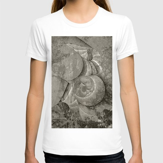 Fossilized Shells - Black & White T-shirt