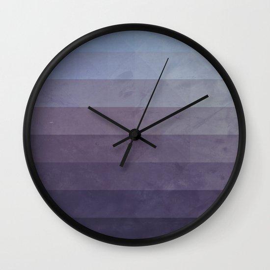 myssyng yww Wall Clock