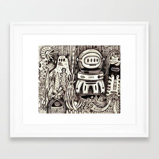 OGM GARDEN - La visite Framed Art Print