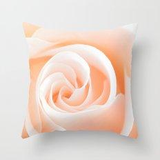 Rose´s heart I Throw Pillow