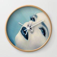 CLOSING IN Wall Clock
