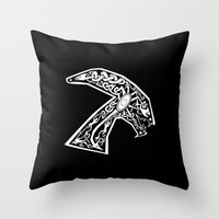 Celtic xenomorph Throw Pillow