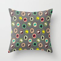 dog cameos Throw Pillow