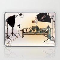 Studio Shoot  (Miku Vers… Laptop & iPad Skin