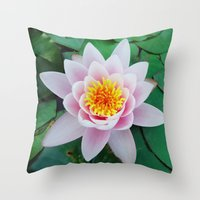 Ninfea Throw Pillow