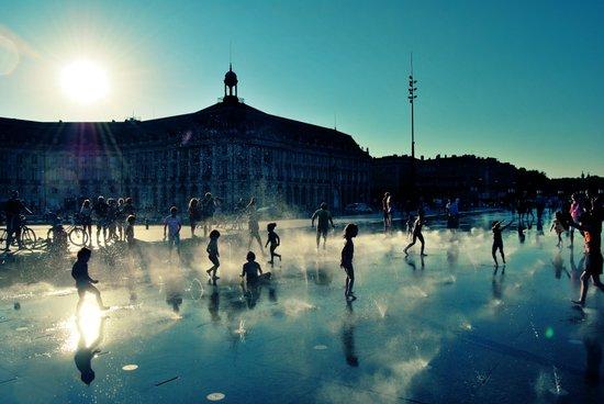 "Bordeaux ""Miroir d'eau"" Art Print"