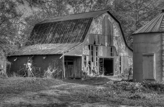 Old Barn in Black and White Canvas Print