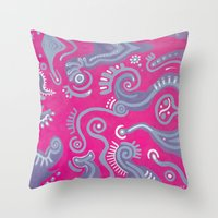Movimiento Intimo Throw Pillow
