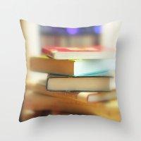 I love books Throw Pillow