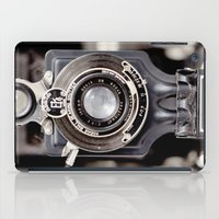67-6 VINTAGE CAMERA COLLECTION  iPad Case