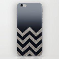 BLACK FADING SILVER CHEVRON iPhone & iPod Skin