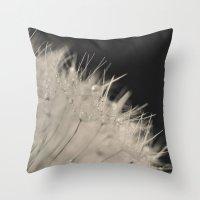 dandelion macro Throw Pillow