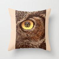Sharp eye Throw Pillow