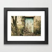 Puerta azul  Framed Art Print