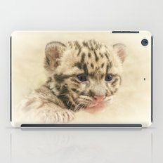 CUTE CLOUDED LEOPARD CUB iPad Case