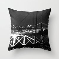 WHITEOUT : Standing 'Top the Bright Lit City Throw Pillow