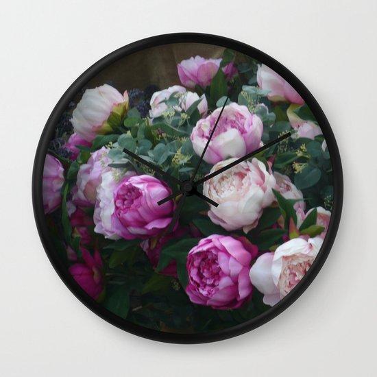 A present  Wall Clock
