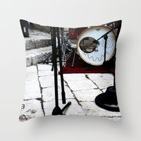 Notte Bianca Throw Pillow