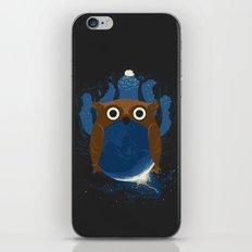 The Earth Owl iPhone & iPod Skin