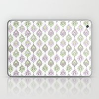 Pretty Leaves all in a Line Laptop & iPad Skin