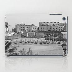 Tenby Harbour. Black+White. Reflection. iPad Case