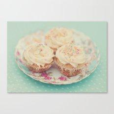 Heavenly cupcakes Canvas Print