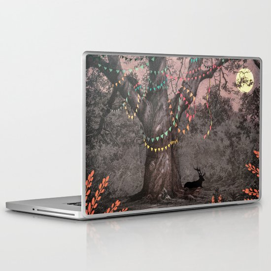 The party... Laptop & iPad Skin