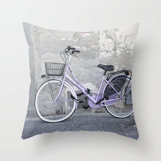 La Bicicletta - Italy Throw Pillow