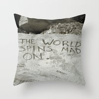 Spin right round Throw Pillow