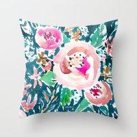 PLENITUDE FLORAL Throw Pillow